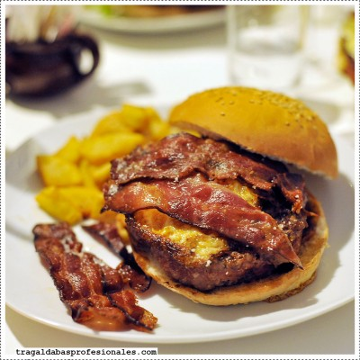 hamburguesa-gregorios-burger-@-carmencita-bar_w