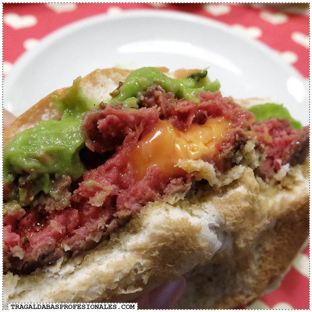 Hamburguesas en Madrid - Bacon cheese burger - Tragaldabas Profesionales - Restaurante Buns