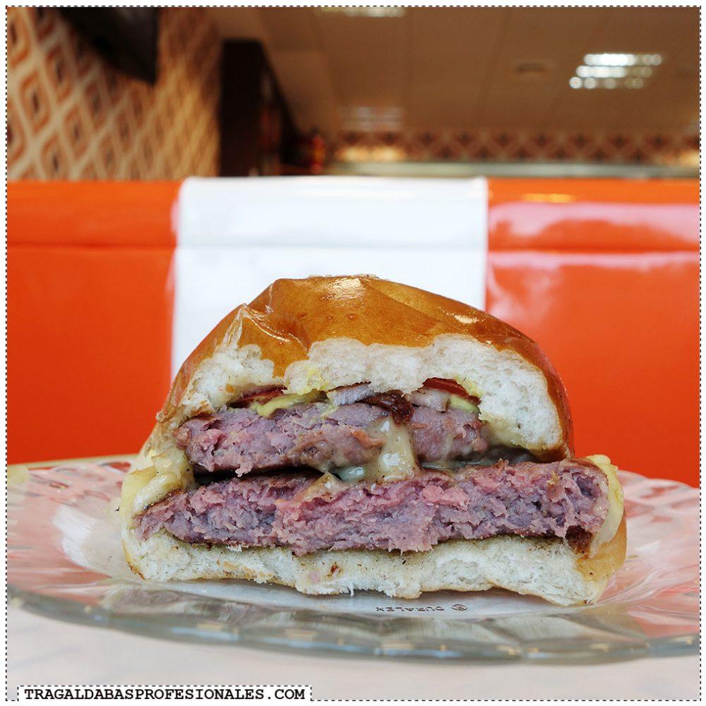 Hamburguesas en Madrid - Bacon cheese burger - Tragaldabas Profesionales - Restaurante Orange