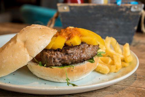 hamburguesa-cordero-lechal-queen-burger-gourmet-madrid
