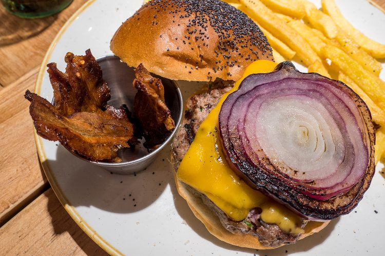 hamburguesa-morucha-queen-burger-gourmet-madrid