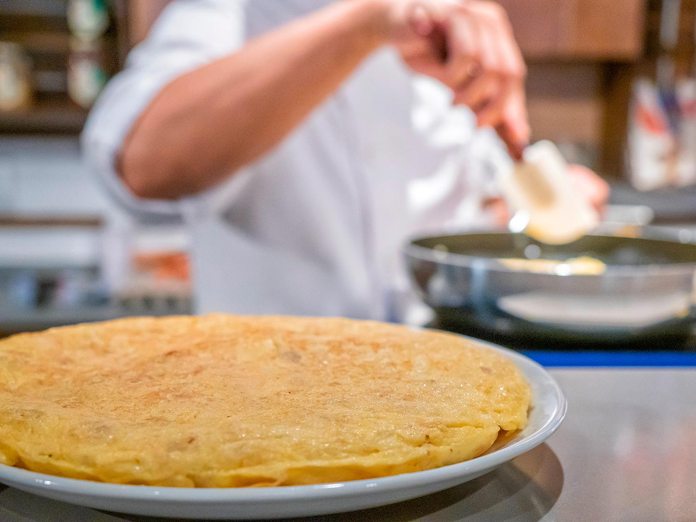 tortilla-patata-ardosa-tragaldabas-profesionales